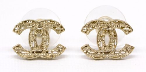 chanel-logo-earrings