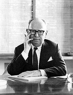 Biography Leo Bernett